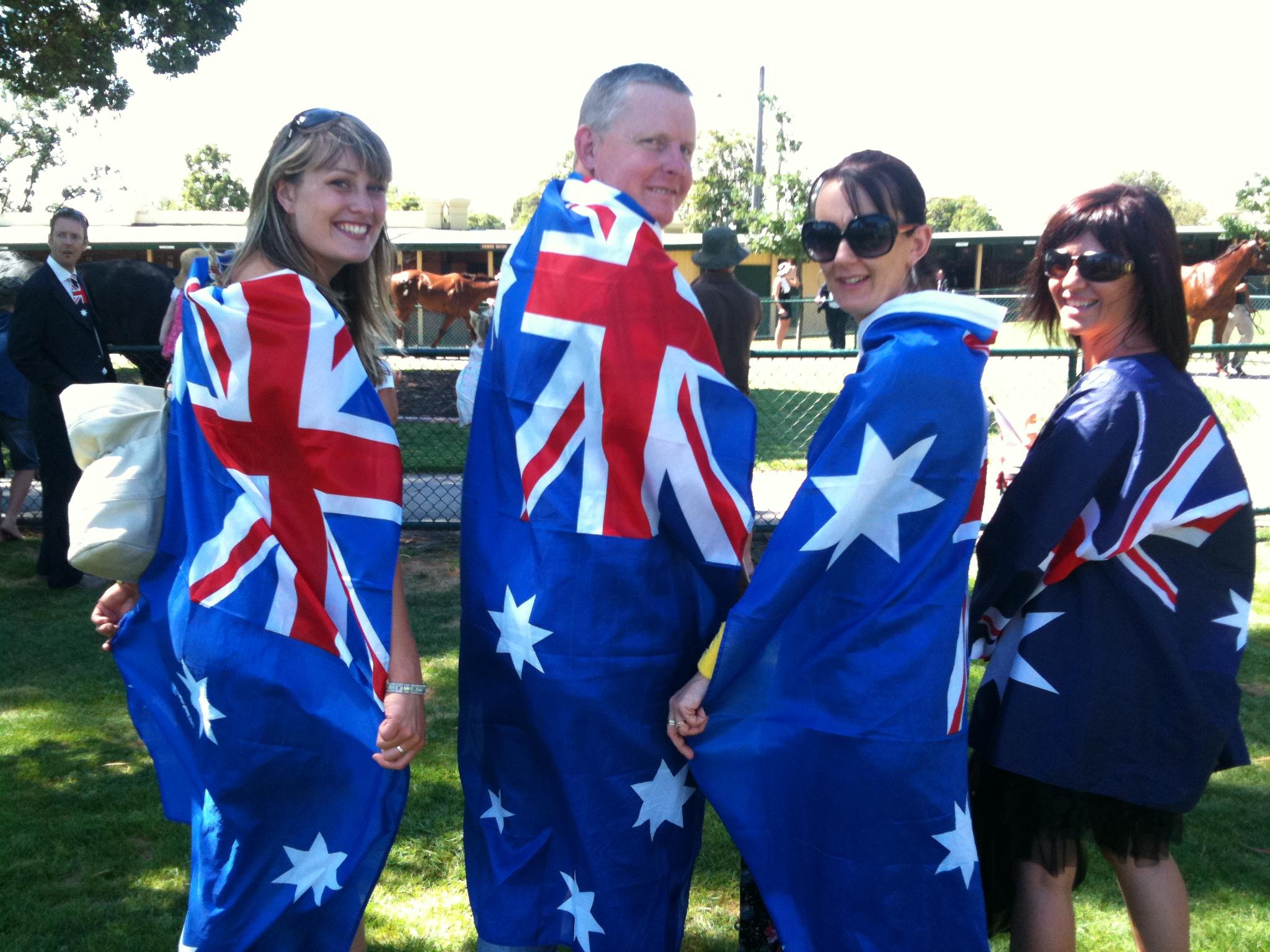 dân nhập cư càng ngày càng đông như hiện nay thì Úc đang đứng trước vấn đề đáng lo ngại cả về các chi phí an sinh xã hội, việc làm, y tế… định cư úc