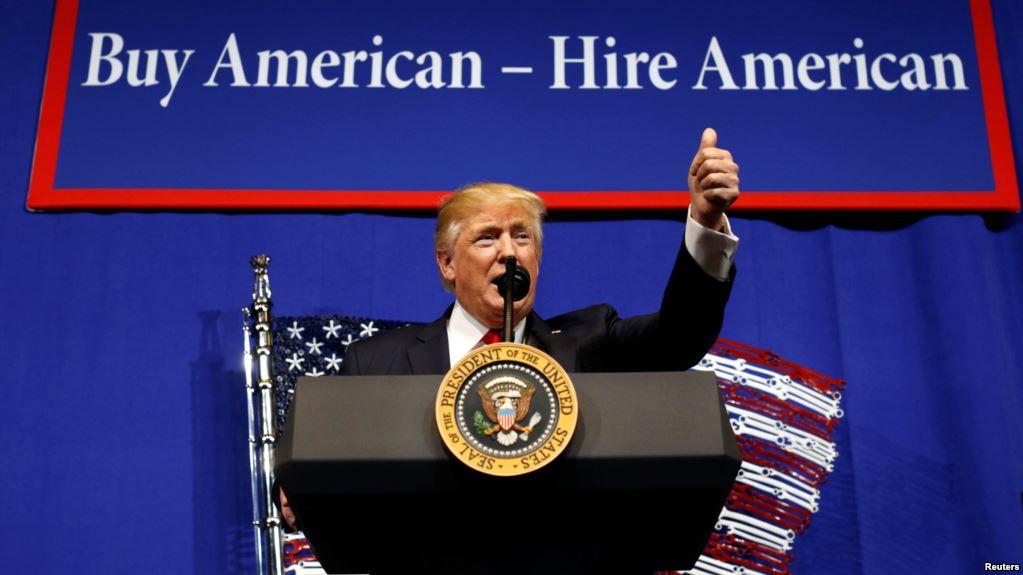 Donald Trump hướng tới việc mở rộng các điều khoản thị thực L1B của Hoa Kỳ, gây khó khăn cho những người đăng kí