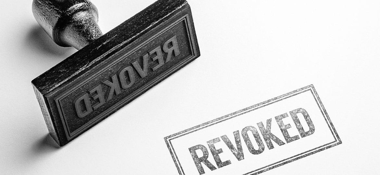 Làm gì khi giấy phép bảo lãnh của bạn bị thu hồi?